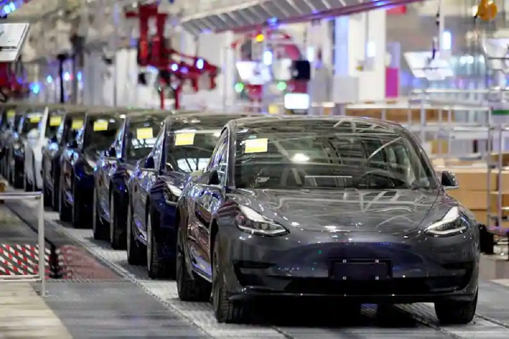 How Much Tesla Will Move the Market?