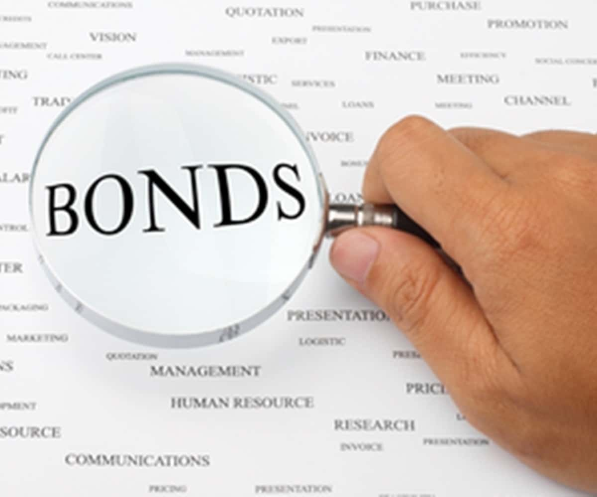 Is It A Time to Buy Long-Term Bonds?
